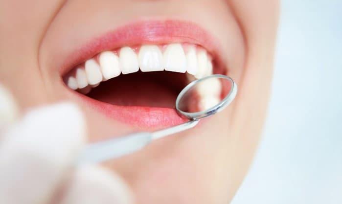 Как происходит одномоментная имплантация зубов