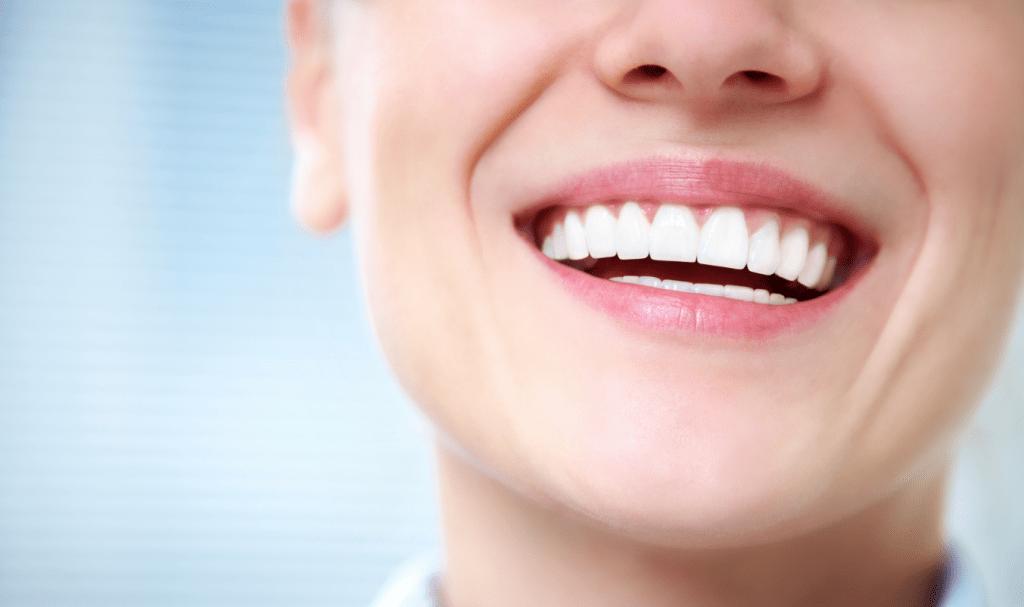 Как вести себя после имплантации зубов